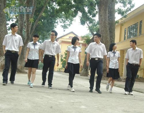 đồng phục học sinh mùa hè của trường chu văn an
