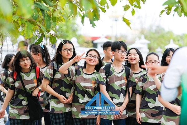 Mẫu áo đồng phục lớp 9 màu rằn ri độc và chất dành cho lớp nào yêu thích sự phá cách và nổi bật
