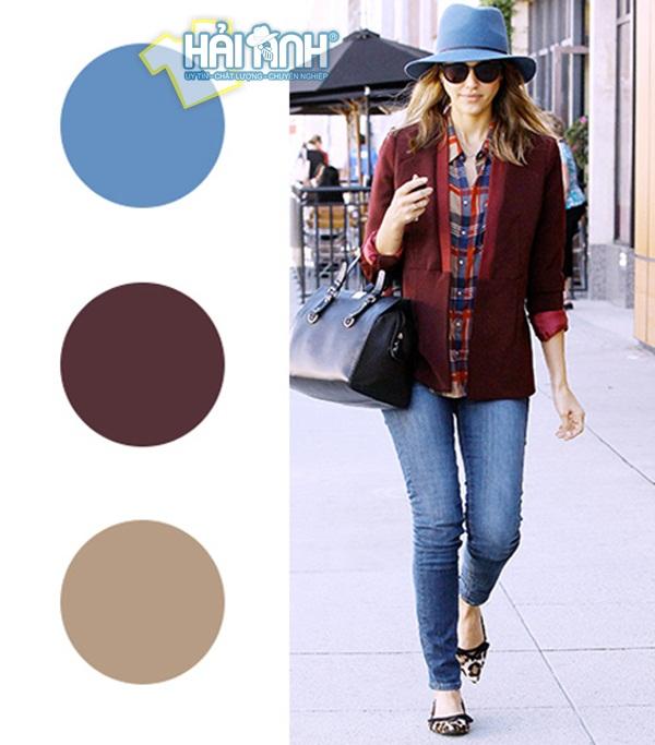 Cách mix đồ mùa đông nâu kết hợp với xanh cô ban mang lại phong cách trẻ trung, năng động