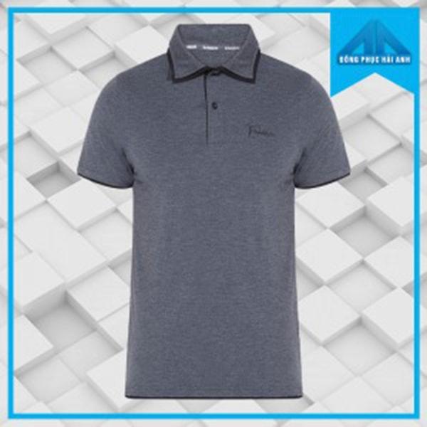 Mẫu áo thun cổ bẻ gam màu xám đậm là thời trang đồng phục mùa hè tiêu biểu cho các công ty, doanh nghiệp