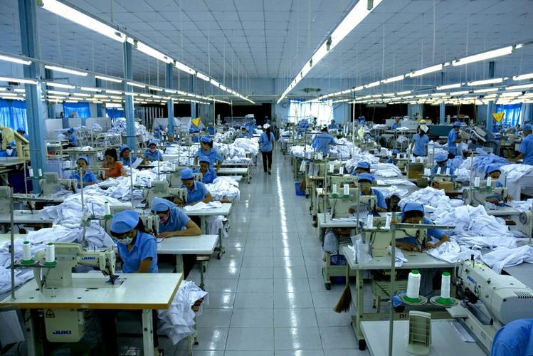 Đồng phục Hải Anh là địa chỉ có hệ thống xưởng may áo thun quy mô lớn