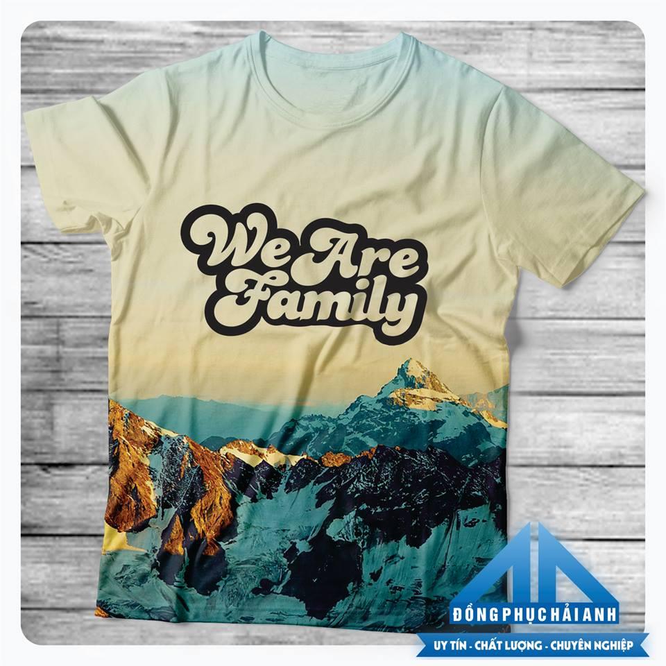 Mẫu áo lớp Slogan hay về tình bạnbằng tiếng anh - We are family