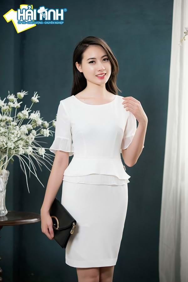 Tuổi Ất Dậu nên mặc trang phục màu trắng